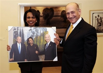 Olmert condi w framed pic W condi olmert