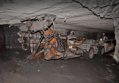 Coal_roof_bolter