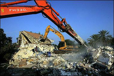 Bulldozing kfar darom