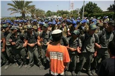 Expulsion troops w orange boy