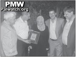Mother_of_4 terrorists gets award