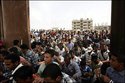 Pals_at_gaza_border