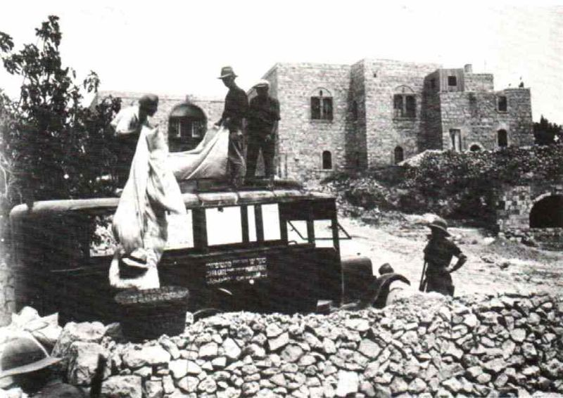 Jews evacuated from hebron 1929