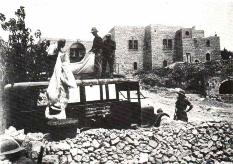 Jews evacuated from hebron 1929