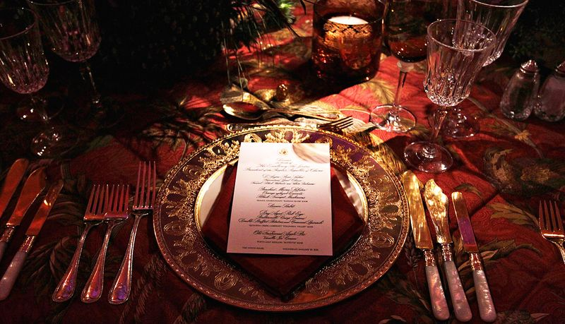 State dinner hu place setting