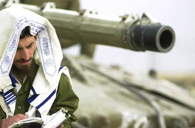 Soldier_tallis_tank