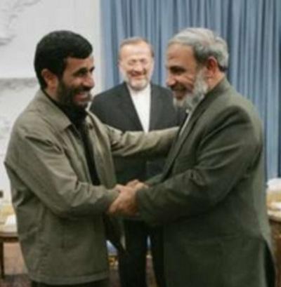 Ahmadinejad_w_mahmoud_zahar_0606_cr