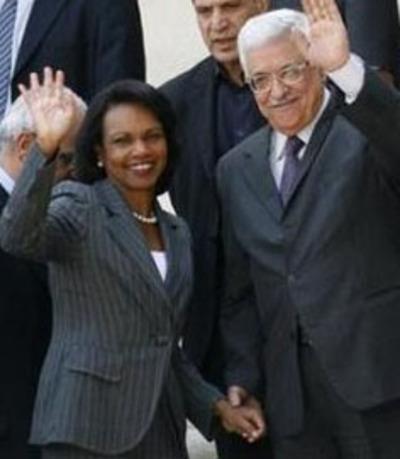 Holding_hands_w_abumazen_ramallah_0
