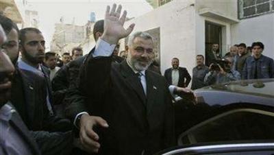Haniyeh_departs_tour_arab_countries_1128